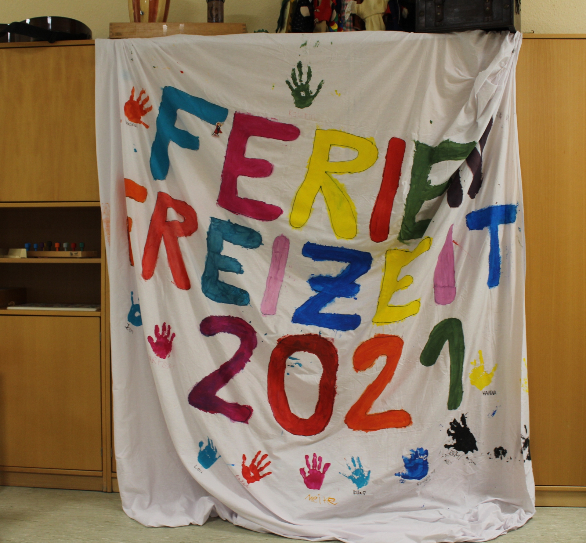 Foto: Banner mit Aufschrift Ferienfreizeit 2021